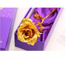 Hoa hồng làm quà tặng lễ tình nhân cho chị em.